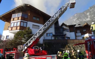 Feuerwehren verhindern Großschaden in Unterlangkampfen 29.12.2015