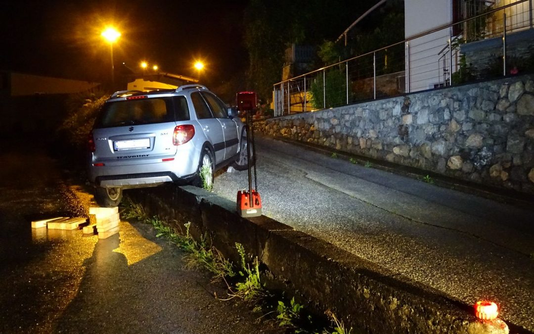 Drohender Fahrzeugabsturz
